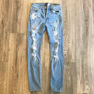 {{Divided}} W29L32 skinny men scratching jeans